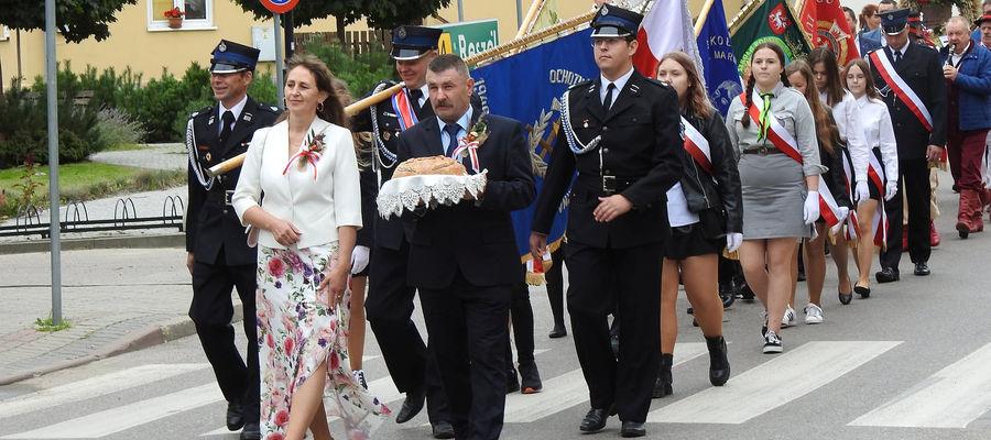 Starostami dożynek byli Agnieszka Kobryń i Andrzej Zagozdon