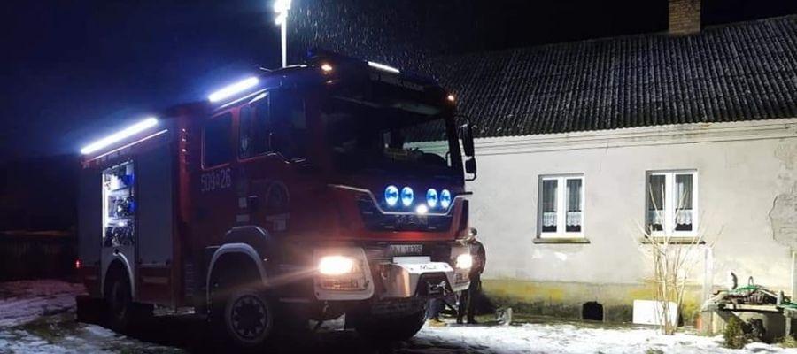 Powalone drzewa na drogach - interweniowali strażacy
