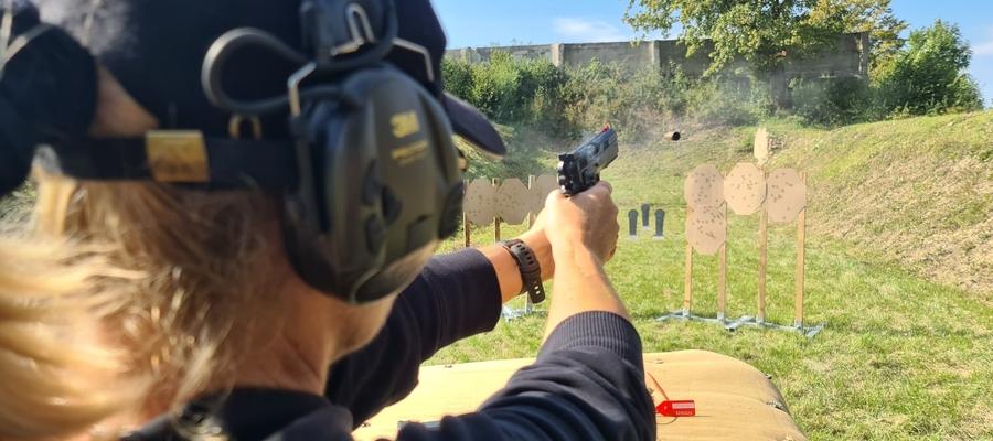 Uczestnicy mierzyli się na pistolety, karabiny i strzelby