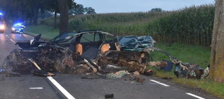 Młody kierowca BMW zginął na miejscu