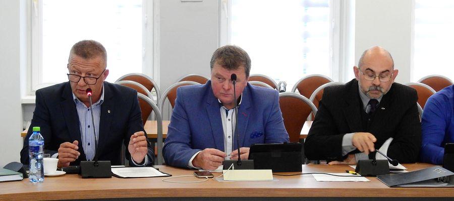 Kto wie, może wniosek radnego Bagieńskiego (pierwszy od lewej) kiedyś doczeka się realizacji