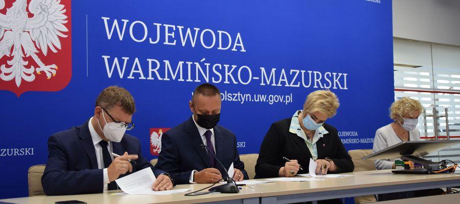 Na początku września podpisano 19 umów na dofinansowanie inwestycji z zakresu bezpieczeństwa ruchu drogowego na przejściach dla pieszych.