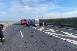 Tragiczny wypadek pod Olsztynkiem, kierowca zginął na miejscu. Droga ekspresowa zablokowana