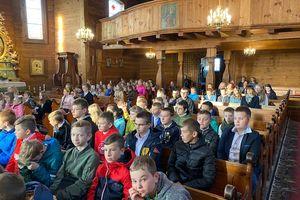 Artystycznie, na sportowo i konkursowo celebrowali święto szkoły