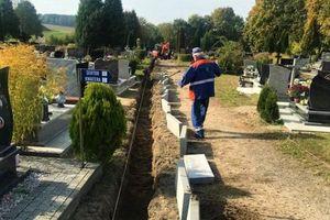 Wygodniej na 1 listopada: trwa budowa alejki na nidzickim cmentarzu