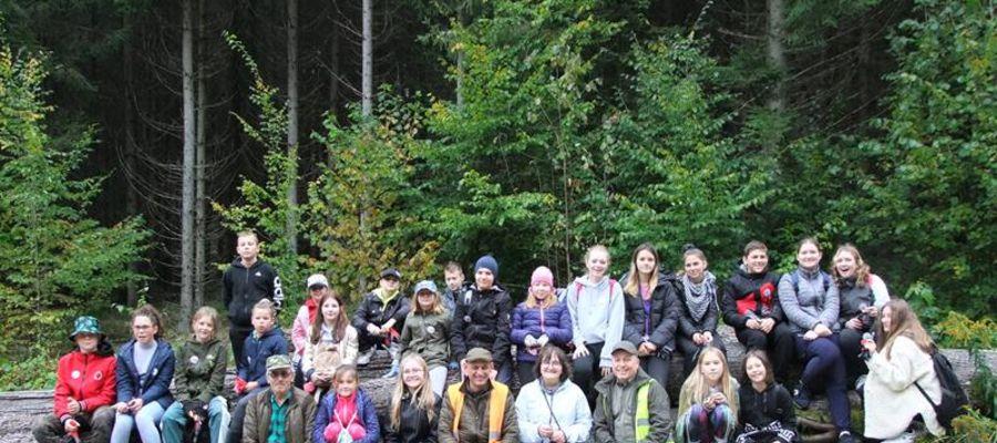 Młodzież sprzątała podkętrzyńskie lasy
