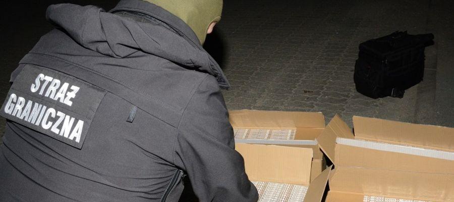 Funkcjonariusze Straży Granicznej ujawnili nielegalne papierosy i krajankę tytoniową